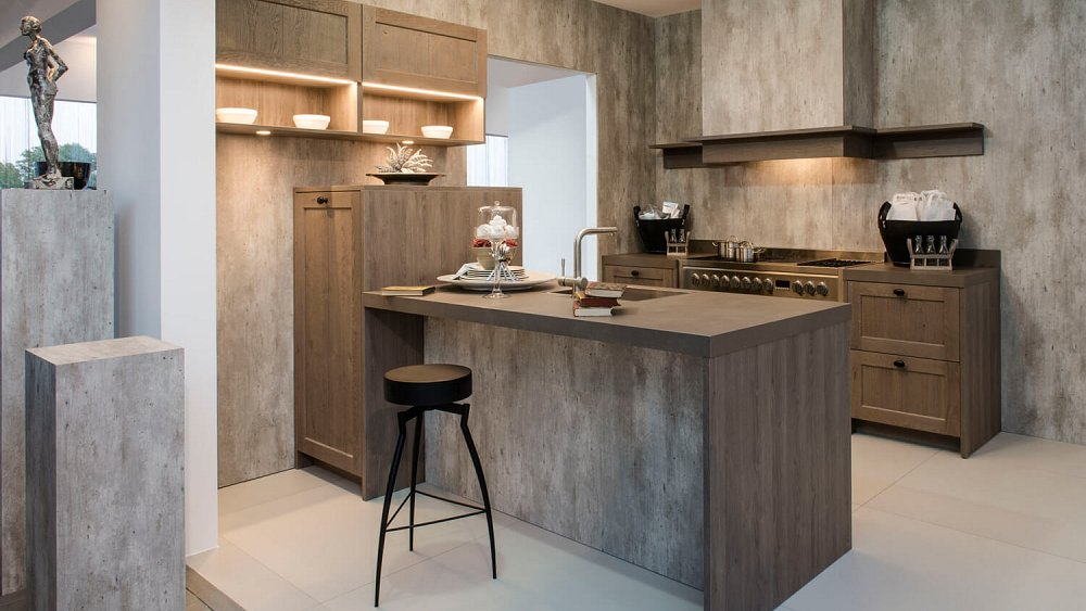 Landelijke keuken met schiereiland keukens op maat for Keuken outlet alkmaar