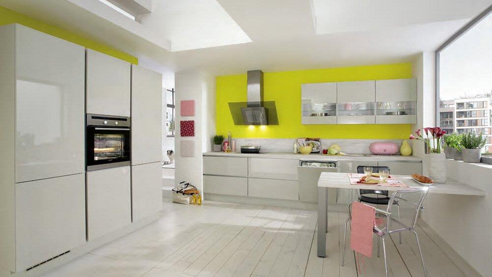 Rechte Design Keukens : Grote design keuken in rechte opstelling met ...