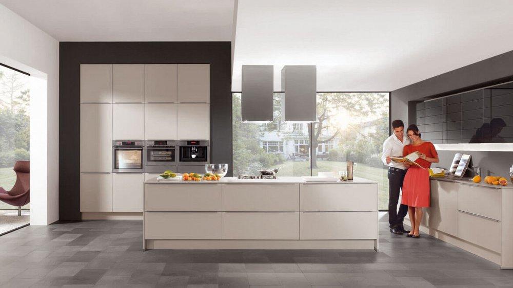 Luxe Keuken Met Kookeiland : Kookeiland met inbouw kastenwand – Keukens op maat – Keukenloods.nl