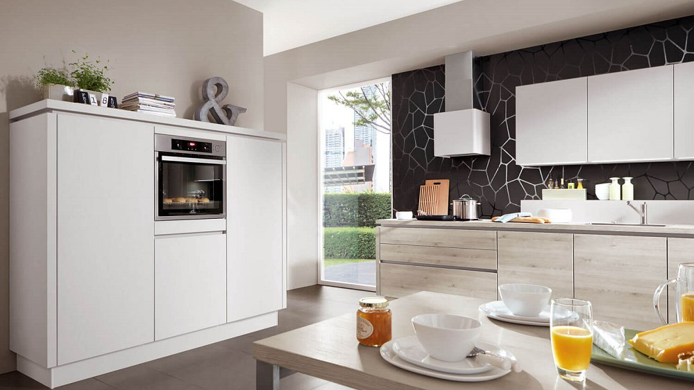 Keukens Op Maat Oostende : Rechte keuken met kastenwand Keukens op maat