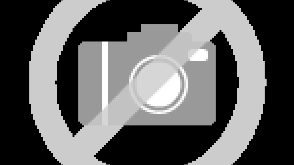 Recht keuken in hoogglans wit showroomkeukens keukenloods