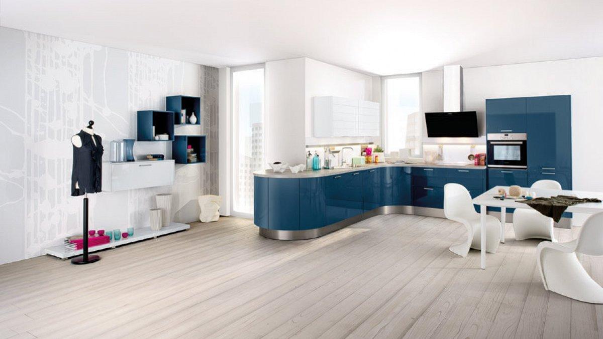 Moderne hoekkeuken in hoogglans blauw keukens op maat for Keuken outlet alkmaar