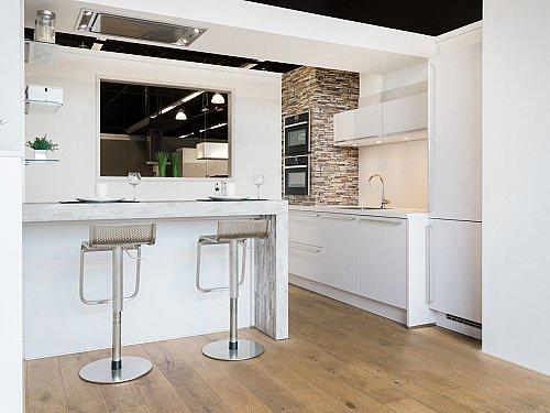 Showroomkeukens goedkoop bij keukenloods.nl